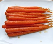 Ginger and honey-glazed carrots