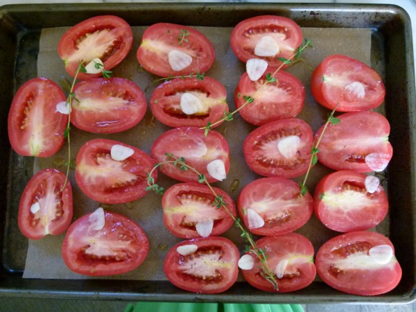 slow roasting tomatoes