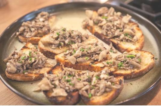 Hen of the Woods mushroom toasts