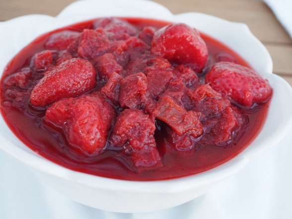 strawberry-rhubarb sauce
