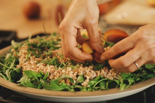 I like to layer arugula then farro then peaches