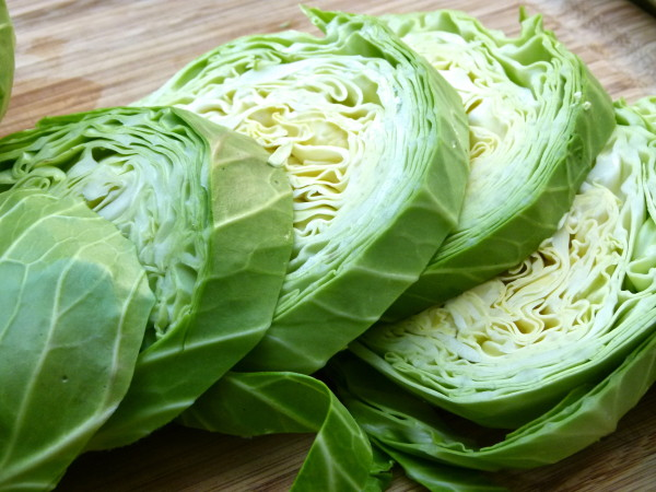 cut the cabbage lengthwise into rounds