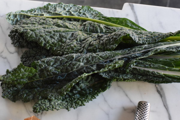 stem and slice the kale