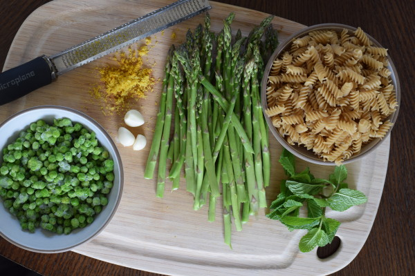 spring green pasta with asparagus and peas | pamela salzman