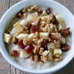 oatmeal with dates, bananas and walnuts