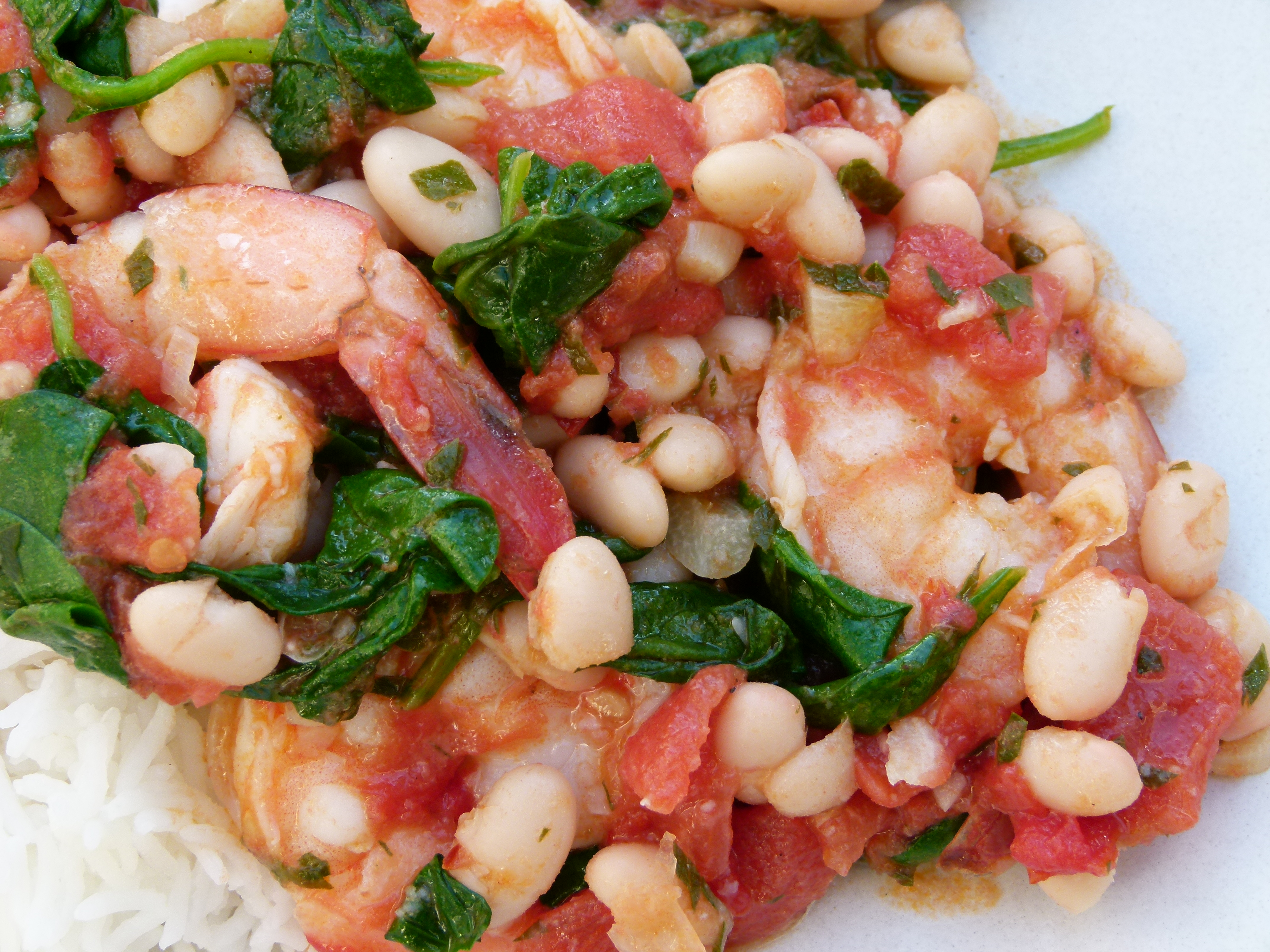 shrimp with tomatoes, white