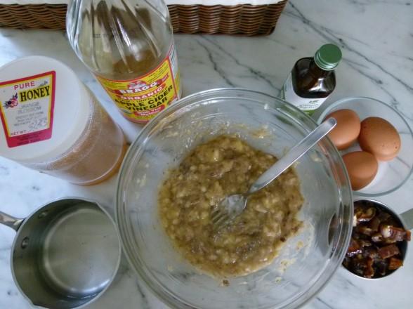 mashed bananas and wet ingredients