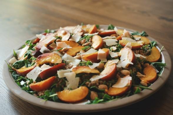 arugula and farro salad with peaches