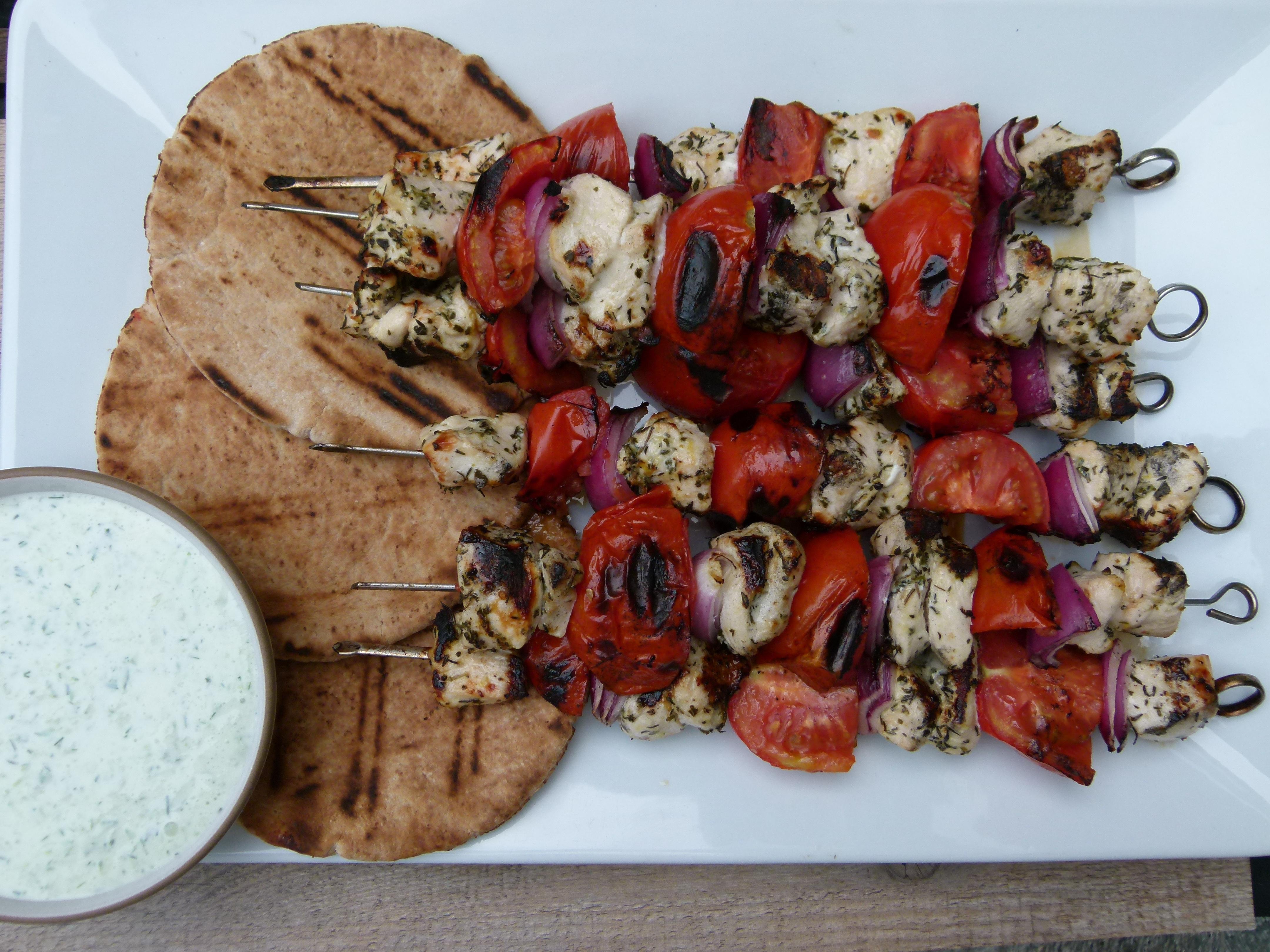 chicken souvlaki with tzatziki | pamelasalzman.com