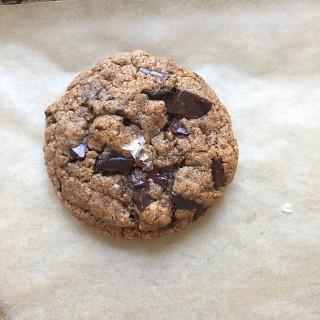 salted flourless chocolate chunk cookies | pamela salzman